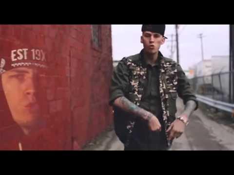 download lagu Machine Gun Kelly - Raise The Flag gratis