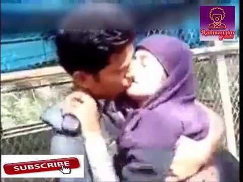 Desi girl enjoyed by lover in the park  ভিডিওটি দেখুন এবং শেয়ার করে সবাইকে সতর্ক করুন thumbnail