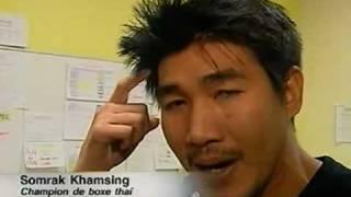 Somrak Khamsing : Portrait d'un champion de Boxe Thaï