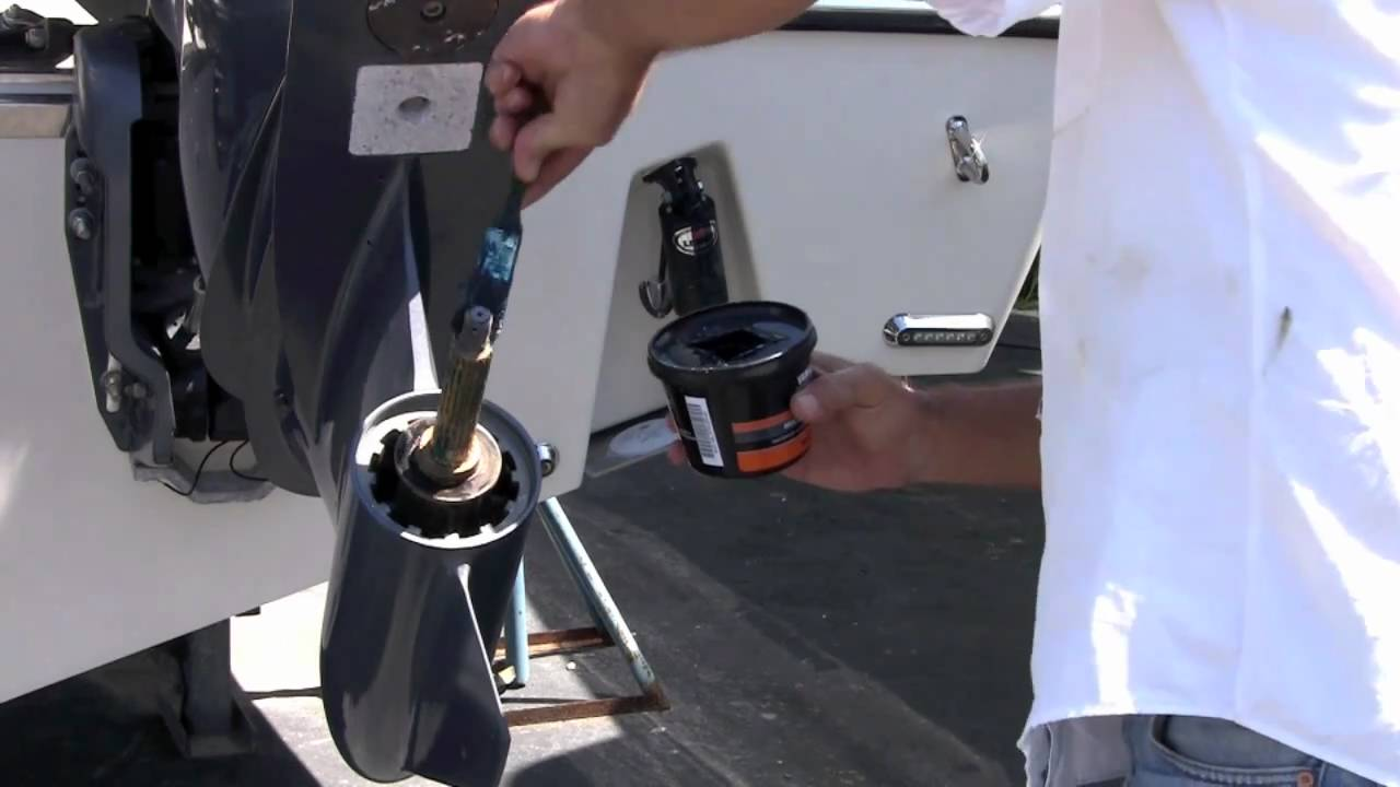 Yamaha boating tip prop change youtube for How to winterize yamaha outboard