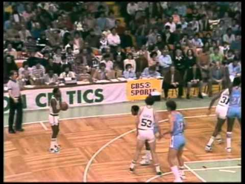Larry Legend's career high at that point of his rookie season. Bird goes for 15 points in the first quarter by making two threes (remember that it's 1980) an...