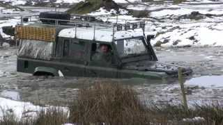 Land Rover Defender 110 200TDI Wading Fail in Arctic Conditions!