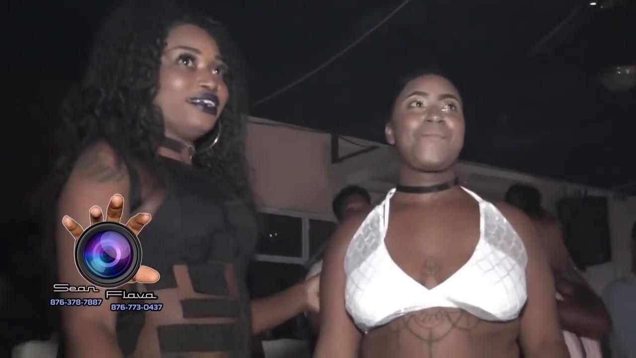 3sums black lesbians clit grinding up close sex videos