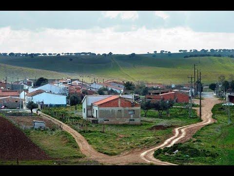 Rio de Moinhos | A aldeia plantada � beira da autoestrada