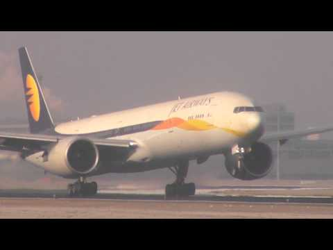 Condensation Takeoff: Jet Airways B777-300ER