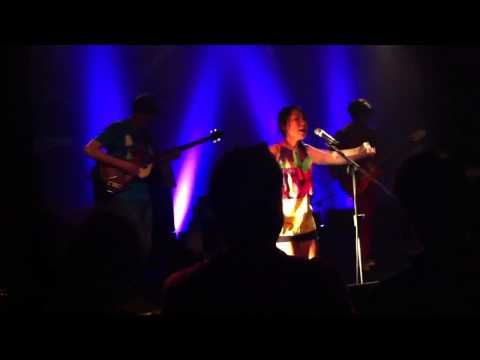 Deerhoof - The Trouble With Candyhands (Locomotiv 26.11.12)