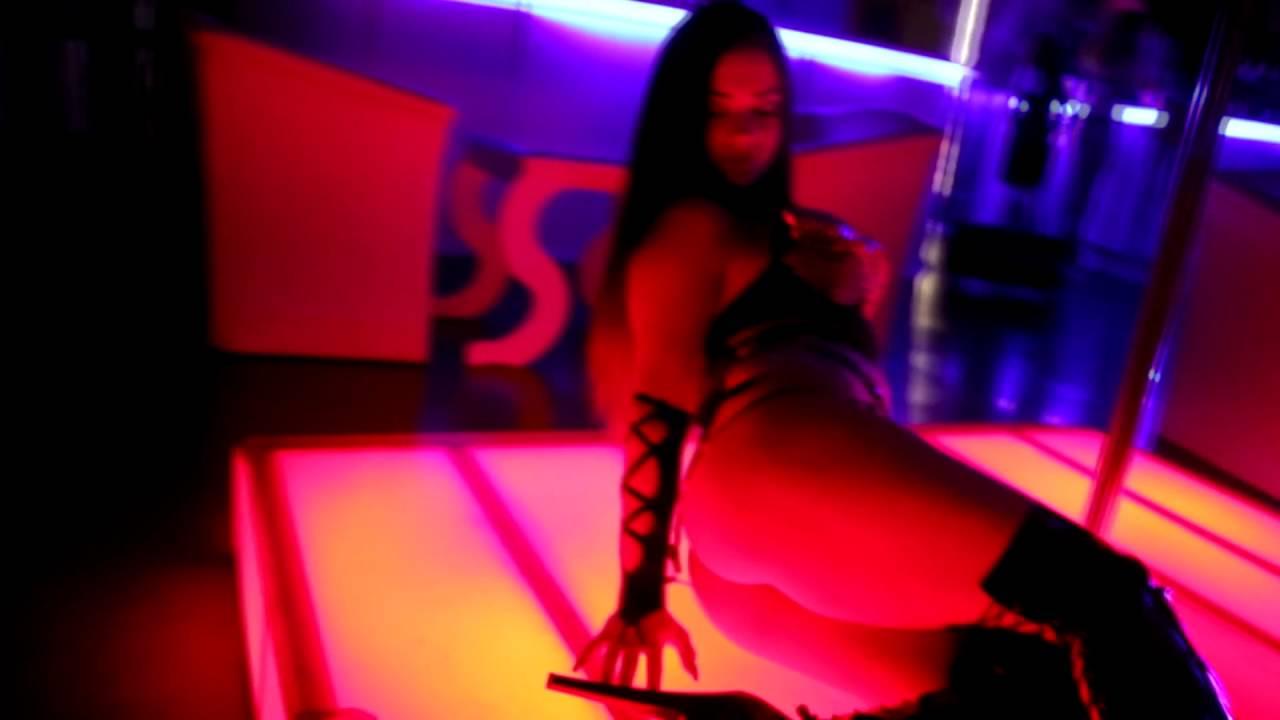 zhestkiy-porno-striptiz