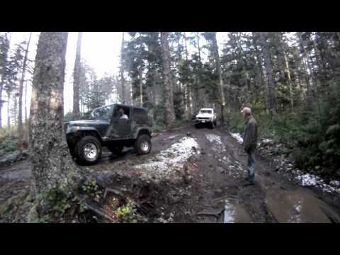 Jeep Rescues Ford Bronco Elbe, Washington