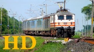 FASTEST TRAIN OF INDIA WAP5 BHOPAL SHATABDI EXPRESS 12002  FLYING  TOWARDS BHOPAL