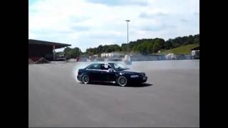 Hannover Hardcore RS4 Limo macht einen Donut / Drift in Ilsede 2011