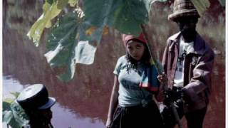 Black Uhuru - Here Comes Black Uhuru