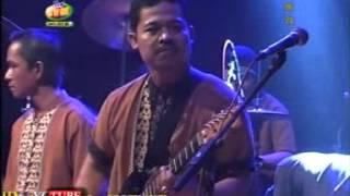 download lagu Elyn Munchen - Cincin Kepalsuan gratis