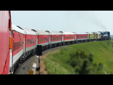 PARALLEL run and VERTICAL Crossing : Indian Railways AKOLA