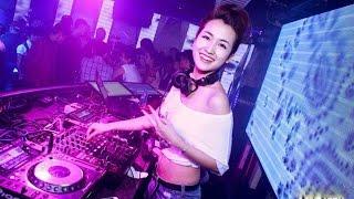 Vẻ đẹp hút hồn của DJ Trang Moon