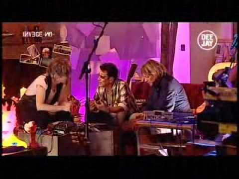 Morgan & Edoardo Bennato (feat.Tony Esposito) Invece no@ Deejay Tv 24.11.2010 (I parte)