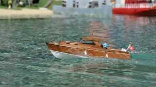 RC Boat - Diva - Cabin Cruiser