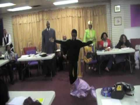 Jeremiahs praise dance to Fred Hammonds L.O.U.D. (Part 1) 2611...