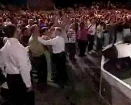 Benny Hinn - Anointing Rains in Chattanooga (2)