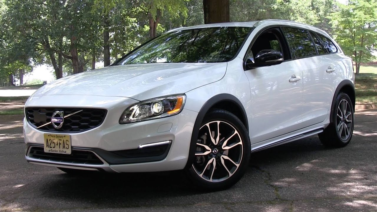 2015 Volvo V60 T5 AWD Cross Country Start Up, Road Test ...