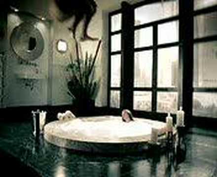 hot girl in a whirlpool thumbnail