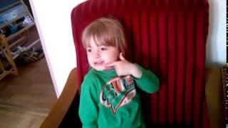 Trzylatek, liczy, pisze, dodaje, mój wspaniały synek.
