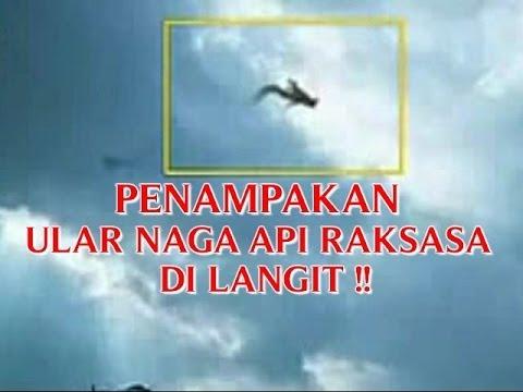 Video Kejadian Aneh Tapi Nyata Penampakan ular Naga Api Raksasa Di Langit !! video