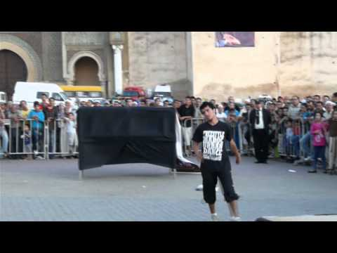 FREESTYLE MAROC URBAN DANCE N°8 - MEKNES 2011 (Parkour).wmv