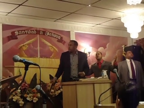 Juan Carlos Harrigan en Nueva Esperanza en Cristo