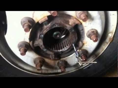 GMC 5500 duramax diesel top kick hub repair with Pops