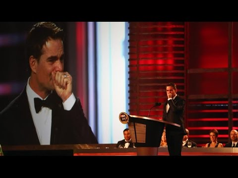 Cruise surprises Gordon before final speech
