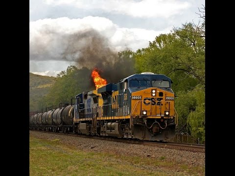 CSX Q409-17 train on FIRE!!!!!!