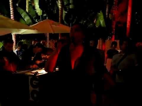 Ralf GUM feat. Monique Bingham - Kissing Strangers - live at the GOGO Music WMC event 2008