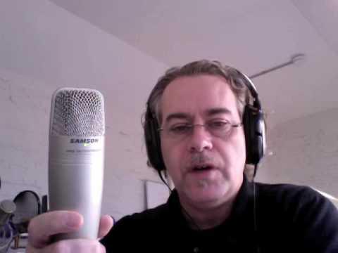 The Samson C01U condenser microphone