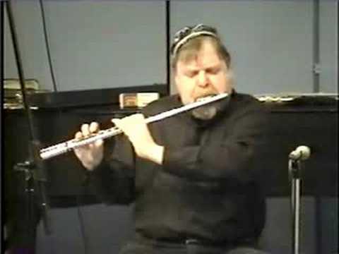 Jazz Flutist plays O Nosso Amor