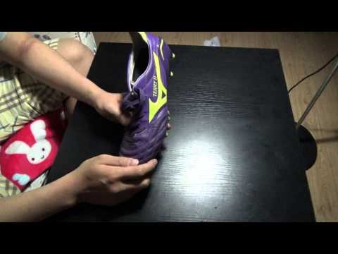 How to Stretch Brand New Soccer Shoes / How to make your shoes bigger | Arirang Kickerz