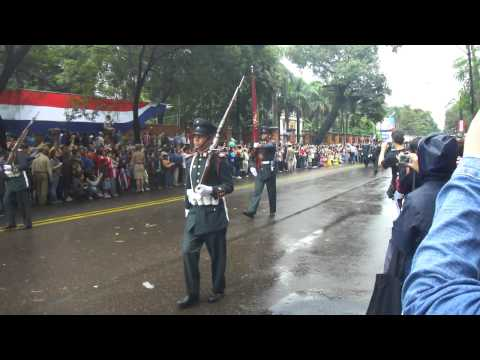 Bicentenario Paraguay, Desfile Militar 1