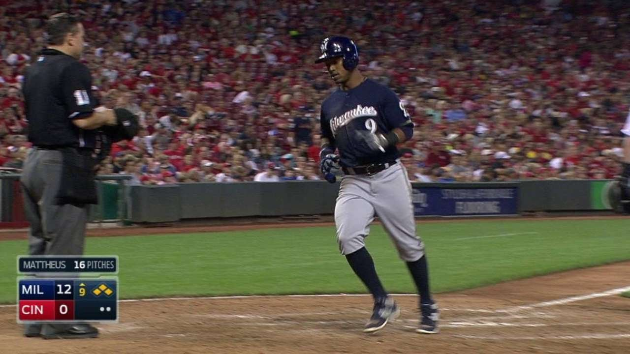 MIL@CIN: Parra lifts a sac fly to extend the lead