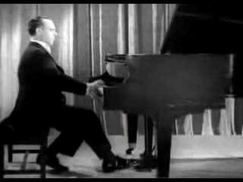 José Iturbi (1895-1980) plays Liszt Hungarian Rhapsodie nr. 11 (1940) José Iturbi: Life and Pianotechnique (Dagmar Uythethofken): http://www.amazon.com/Jose-...