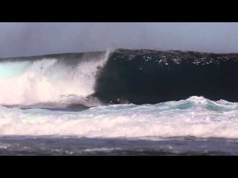 Ben Player At Blackrock/Aussie Pipe/summer cloud Bay