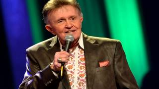 Watch Bill Anderson Walk Out Backwards video