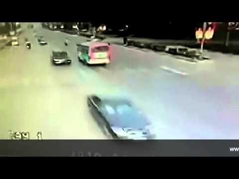 Kecelakaan Paling Ajaib dan Kocak