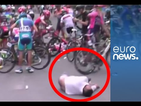Pedestrian hit by 6 bikes during Qinghai Race high-speed sprint, China