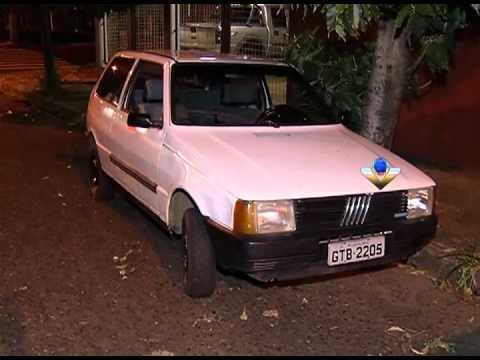 Dois veículos roubados são encontrados pela PM