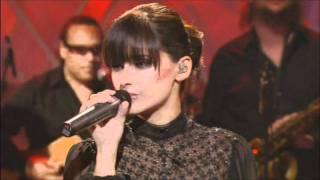 Watch Nelly Furtado Crazy (live Lounge) video