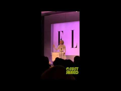 Jennifer Lawrence Honours Elizabeth Banks