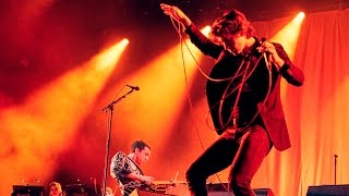 The Last Shadow Puppets Les Cactus Live A Rock En Seine 2016