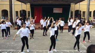 Nhảy flashmob (Ăn gì đây + Baby + Một nhà) - 12a6 Trường THPT B Duy Tiên (20/11/2016)