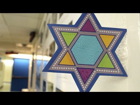 Celebrating Hanukkah at the NAC | La fête de Hanouka au CNA
