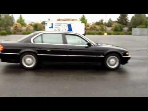 E38 750iL V12 BMW Doughnuts