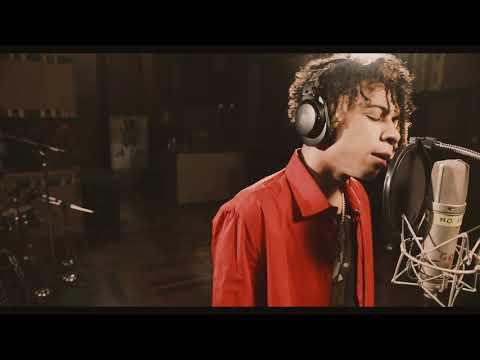 Download Lagu Clean Bandit - Higher (feat. iann dior) [ Studio Video].mp3